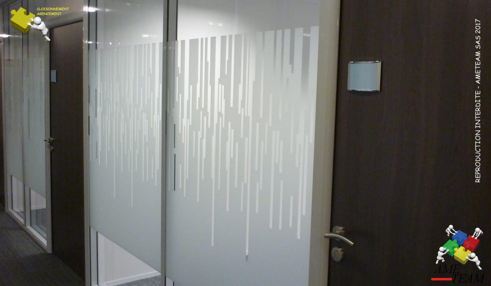 Projet VAL SOLUTIONS / LYON 7 : Cloisons amovibles vitrée toute hauteur avec film decors