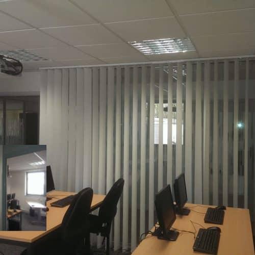 Projet VAL SOLUTIONS /LYON 7 : Stores à lames verticales pour completer la confidentialité de la salle de formation