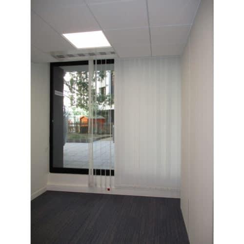 Projet IORGA / LYON3 : Stores à lames verticales sur baie vitrée exterieure