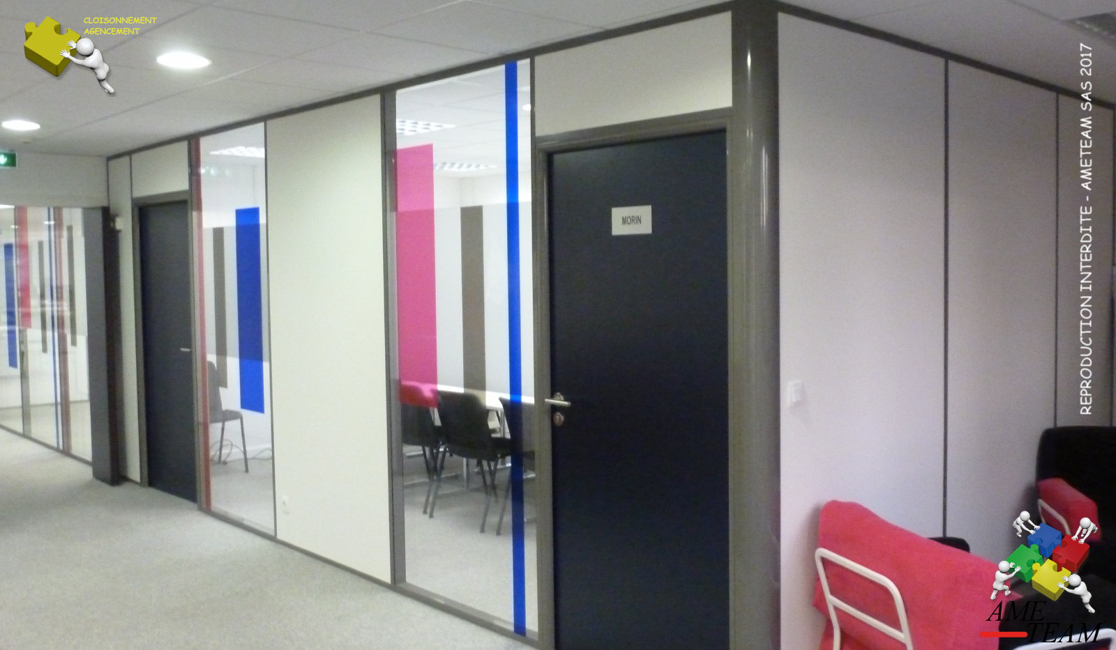 Projet COSMO / LYON 7 : Cloisons amovibles vitrée toute hauteuyr avec films colorés