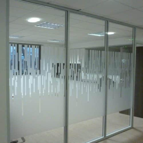 Projet VAL SOLUTIONS /LYON 7 : Films décoratifs sur cloison vitrée toute hauteur