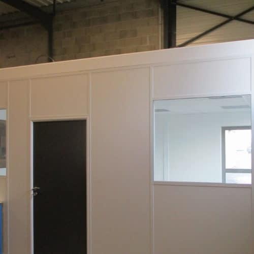 Projet LFM / SACUNY: Cloisons dans entrepôt
